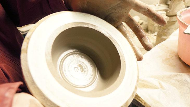 萬古焼の製造工程(成形2)