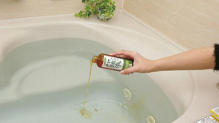 竹酢液を入浴剤として使用するイメージ画像