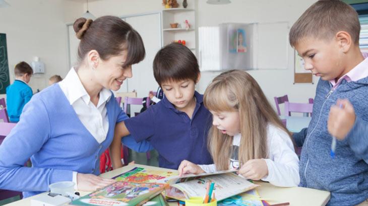 小学校授業のイメージ画像